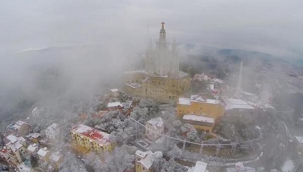 Un-Drone-muestra-la-nevada-de-_54425834987_53699622600_601_341